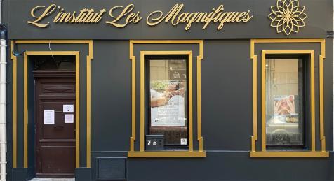 Habillage de façade Institut les Magnifiques